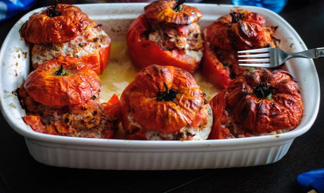 Plat de 6 tomates farcies