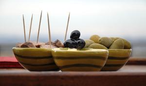 Apéritif d'olives noires et vertes