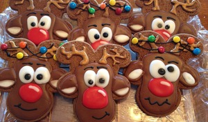 Biscuits en forme de tête de Rudolph le renne