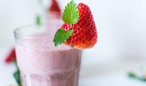 Un milkshake fraise à boire